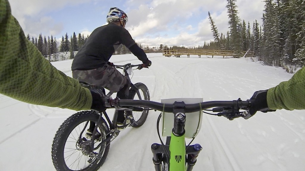 Hinton Alberta Canada Winter Magic Fat Bike - Rob makes the pass