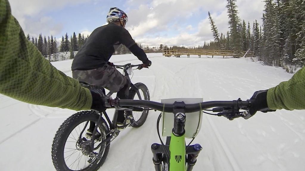 Hinton Alberta Canada Winter Magic Fat Bike - Rob makes the pass
